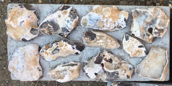 knapped and unknapped flint block
